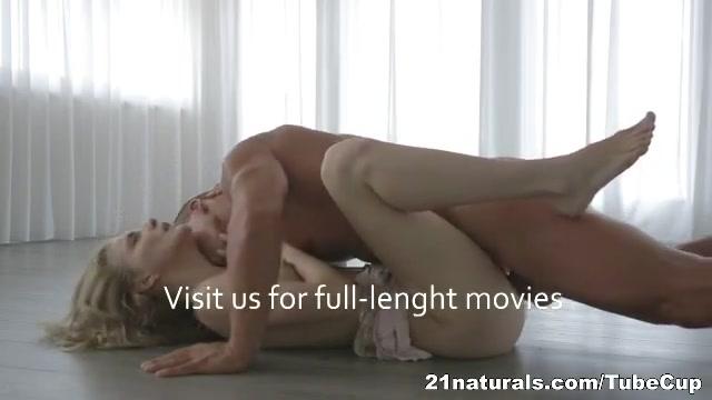 21Sextury XXX Video: Fantasy over the knee tgp