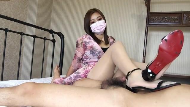 CHINESE FEMDOM Amateur ebony pussy eating