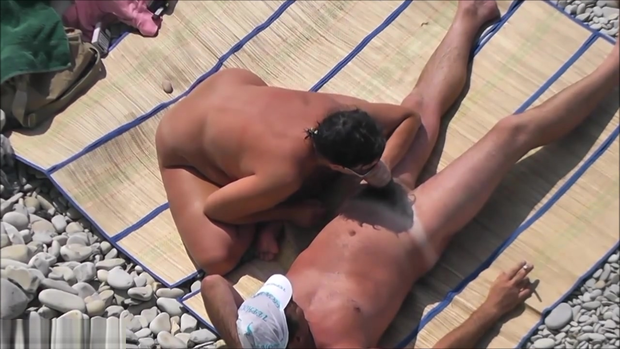 Voyeur Films A Couple Having Sex On The Beach vietnam girl hot nude
