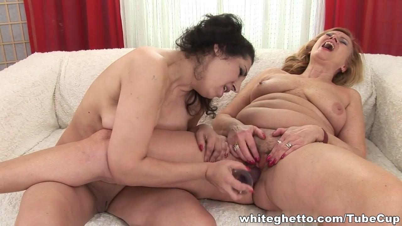 Orgasam Ebony lesbias pornb