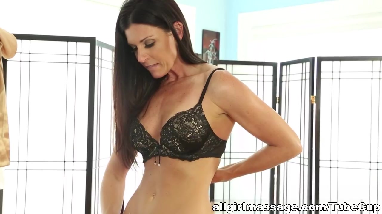 Latina Ass Big boobs milf gives blowjob to stepson