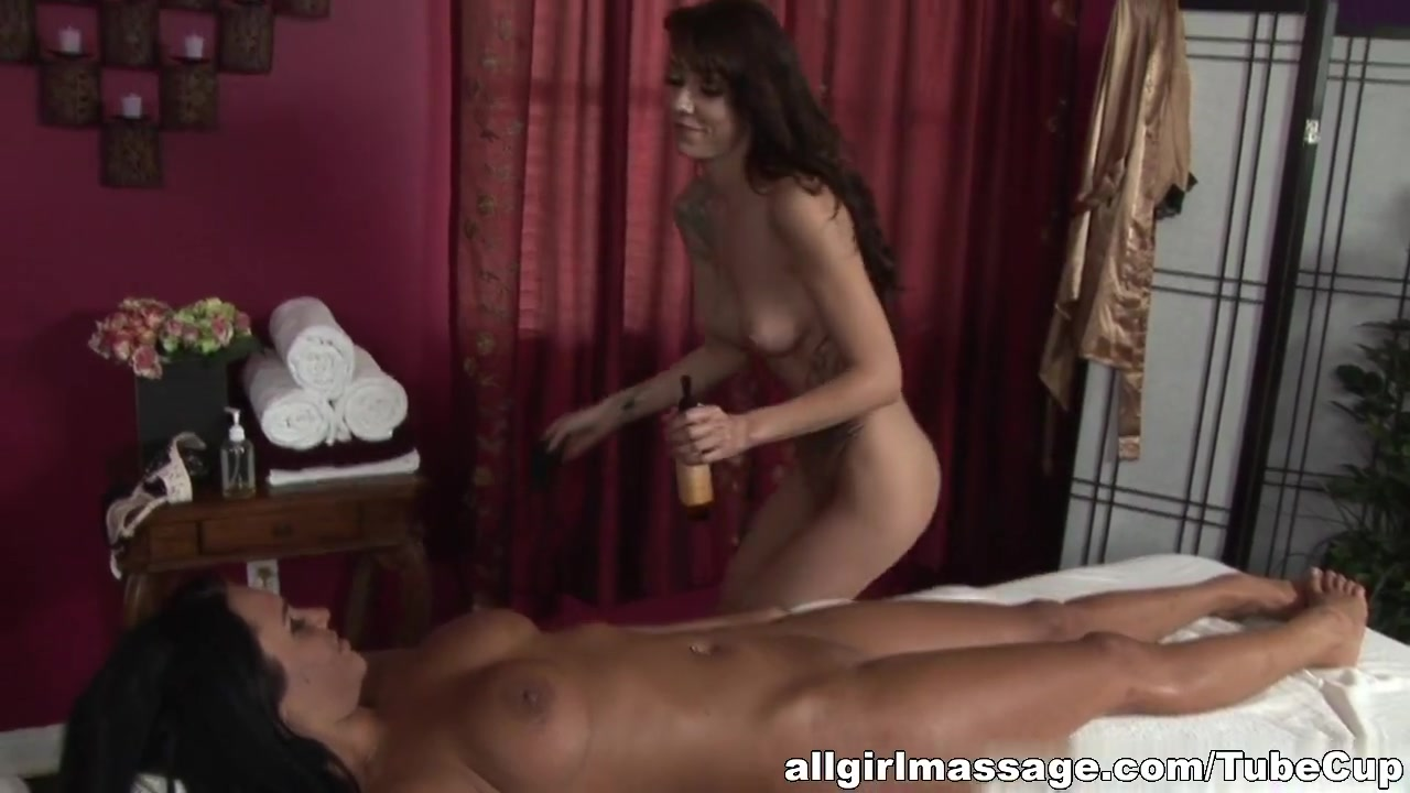 Sexu naked lesbians Milf