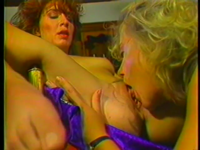 Lesbians fucked German sexi