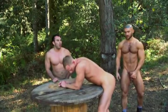 Forest Three-way: JR Matthews, Niko Francois Sagat Looking for a car date in Tocopilla
