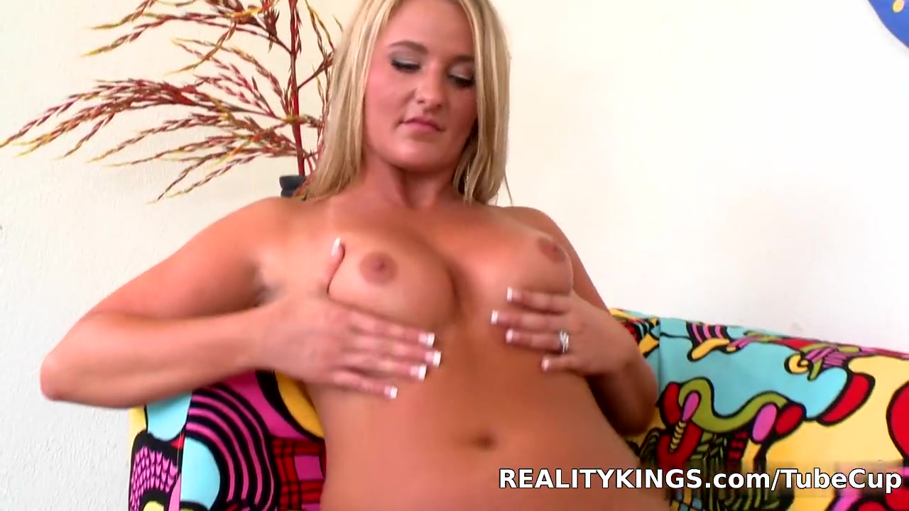 Bignaturals - Pleasing payton