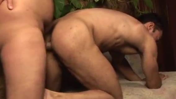brasileiros Adriano e Heitor fazendo troca troca film humour cinema sexy hot porno pericolo rischio