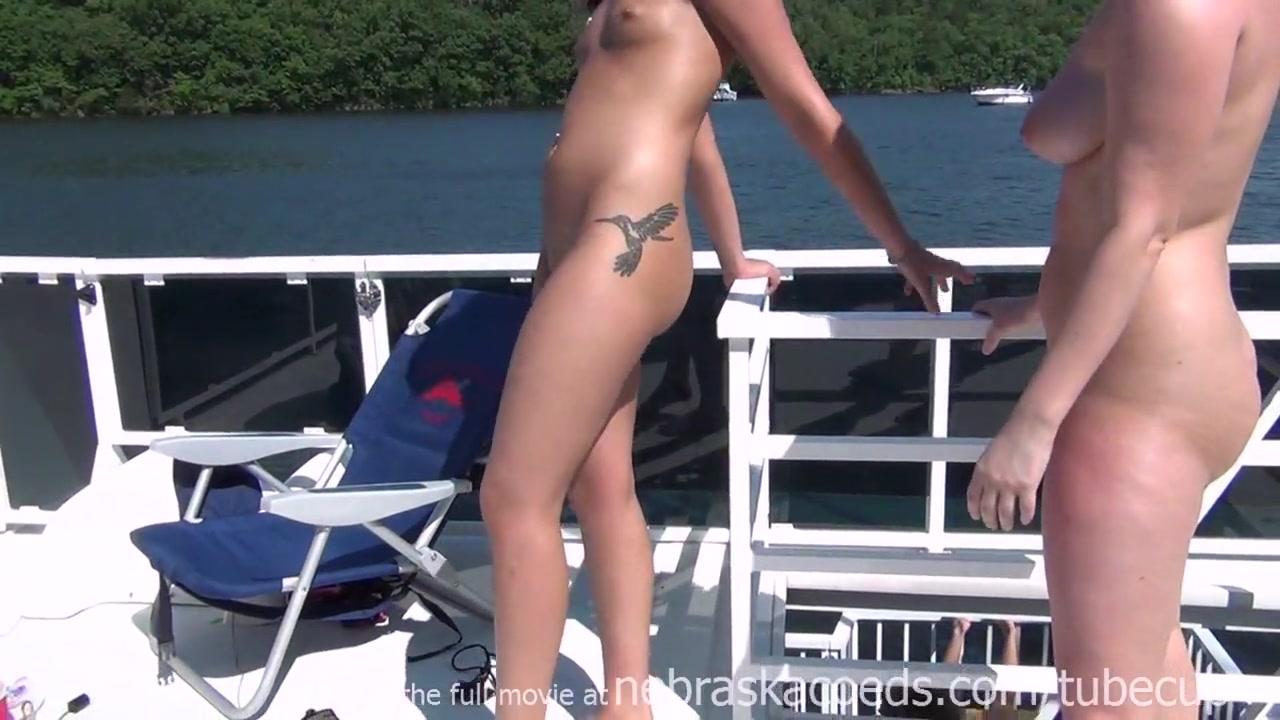 Lesbia horne masturbatian Close