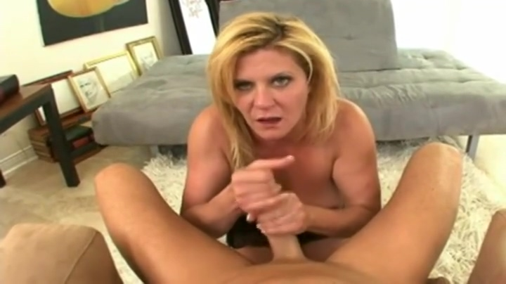 Supreme experienced woman is blowing my cock