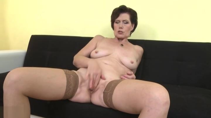 Godlike mature woman in hot masturbation sex video