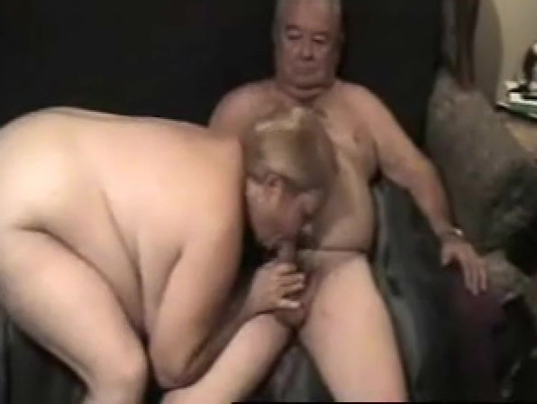 Older couple MMF threesome Boyfriends Who Spank
