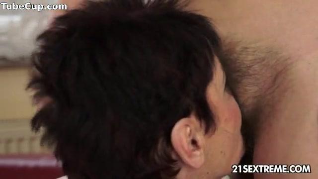 Lesbiana masturbates Machine fuckd