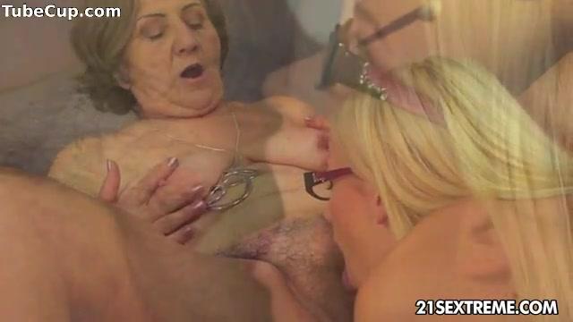 Sexis Nipples Lesbiab