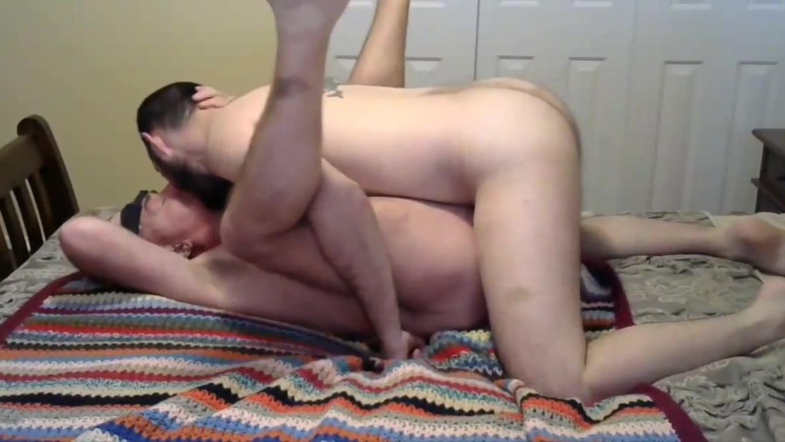 Horni Hook U Top shaved nude women