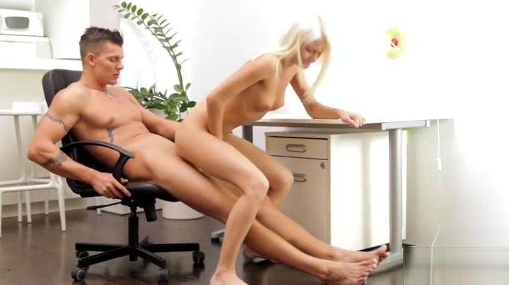 Racy Olivia Devine blows the dick Ai Nagase
