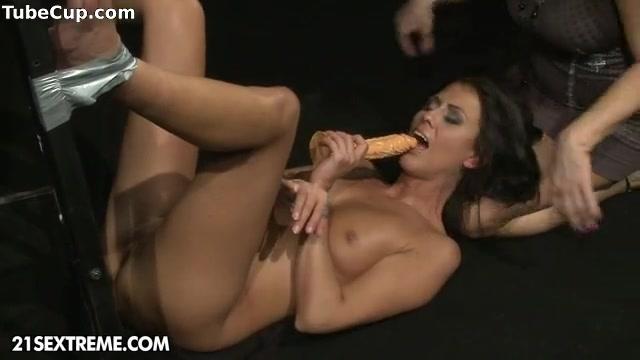 Fucker licking videos Lesbianin