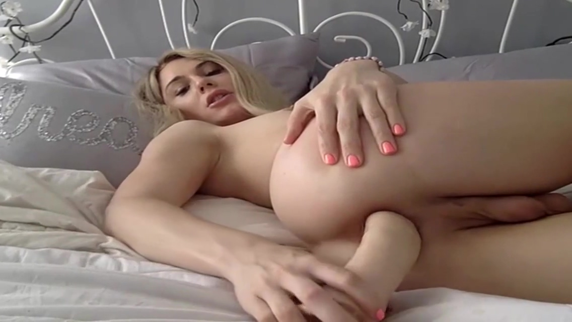 Gorgeous Trap Fingering Ass good morning blowjob porn tube video 1