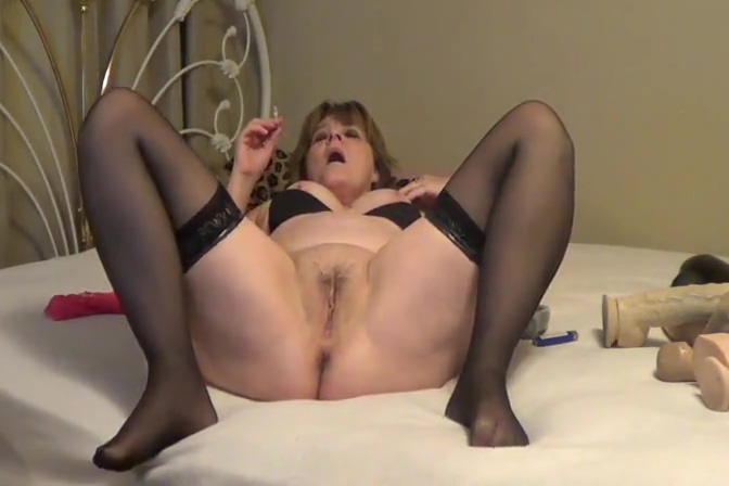 Jolee having a smoke and rubs her pussy Call girl Rotterdam