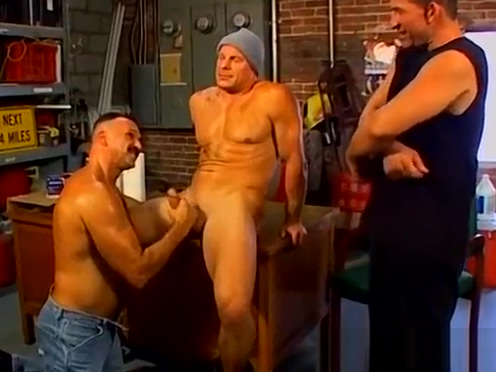 Horny buff gay daddies rough threesome fuck in the garage Taking dildo from nubile lesby