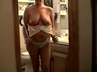 Amateur MILF with a huge booty undressing and gapping her asshole Stop ejaculation of sperm