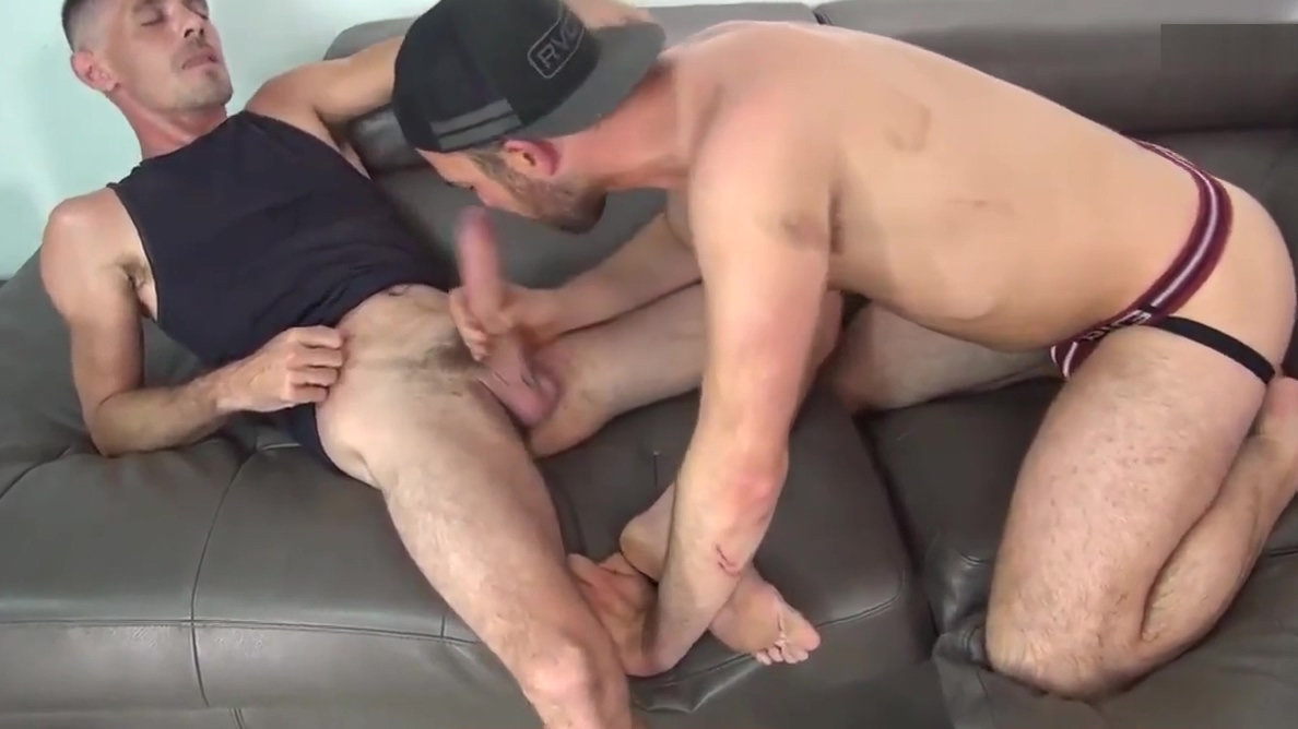 BRET BRADLEY-I WAIT FOR YOUR DICK ON ALL FOURS Mother Real Porn Son