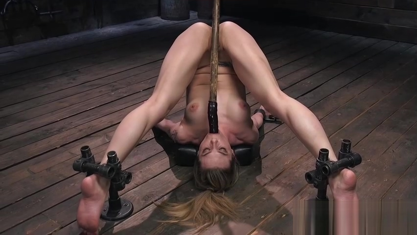 Babe ass caned in metal bondage device Wat is een goede hookup app