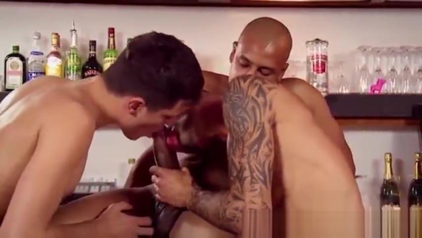 bar room 3some Sluts in Miaoli
