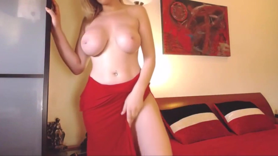 Perfect big natural boobs webcam blonde girl on ChatGirls.cloud red head oily porn weights