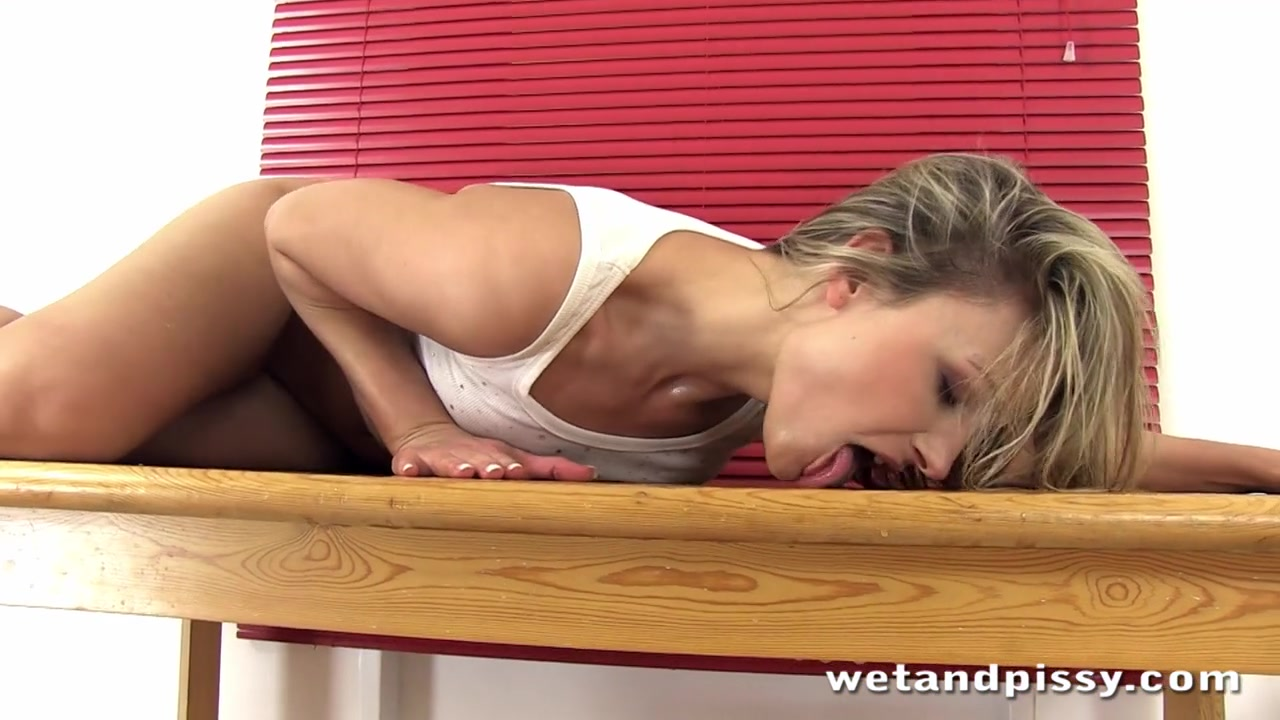 WetAndPissy Video: Squirting Samantha Naked girls eating out other girls