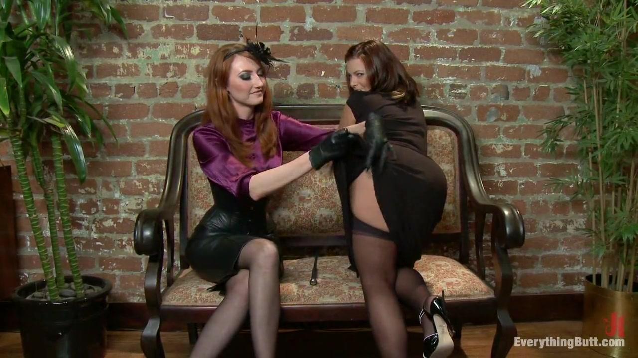 Lesbea licking Russian porno