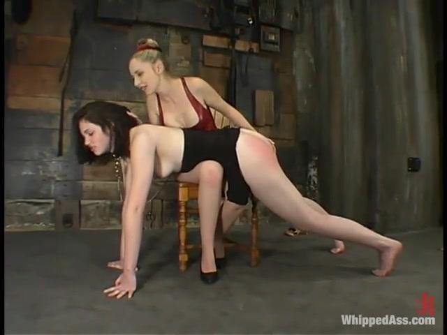 Masturbates porno Machine lesbiian