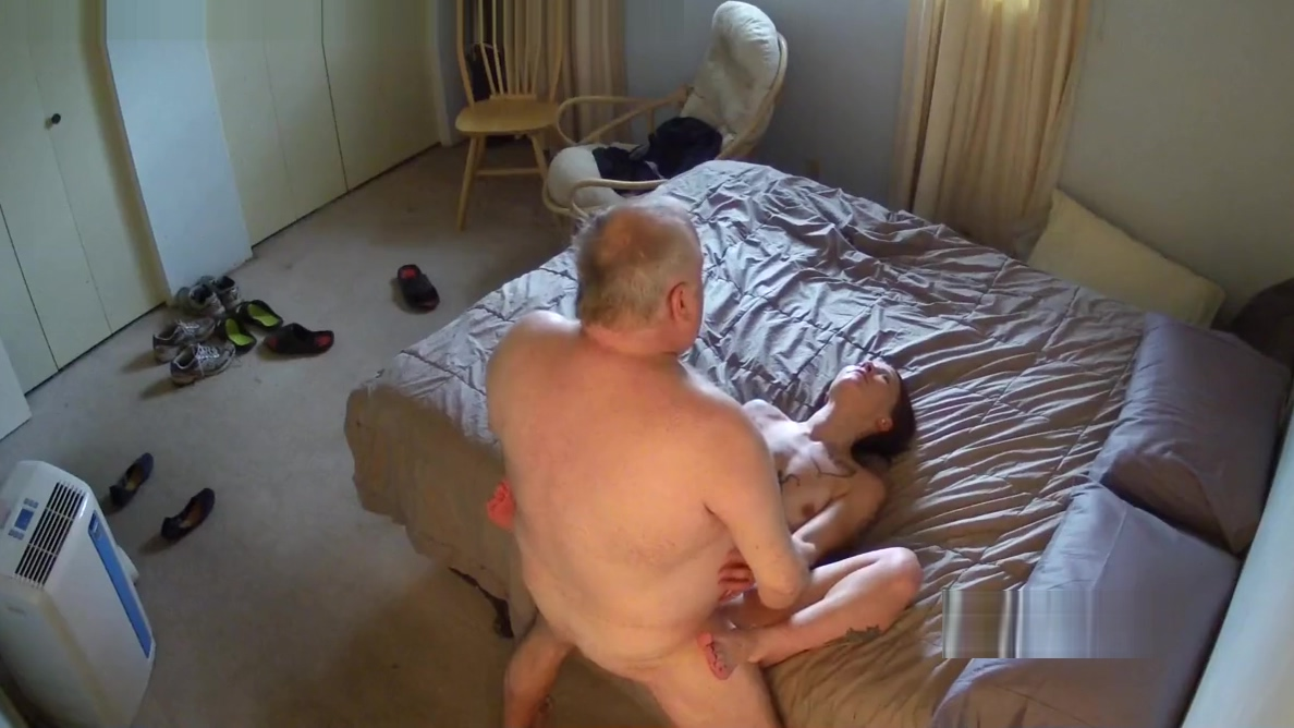 Old guy fucking some girl with tattoos. Amateur latin anal