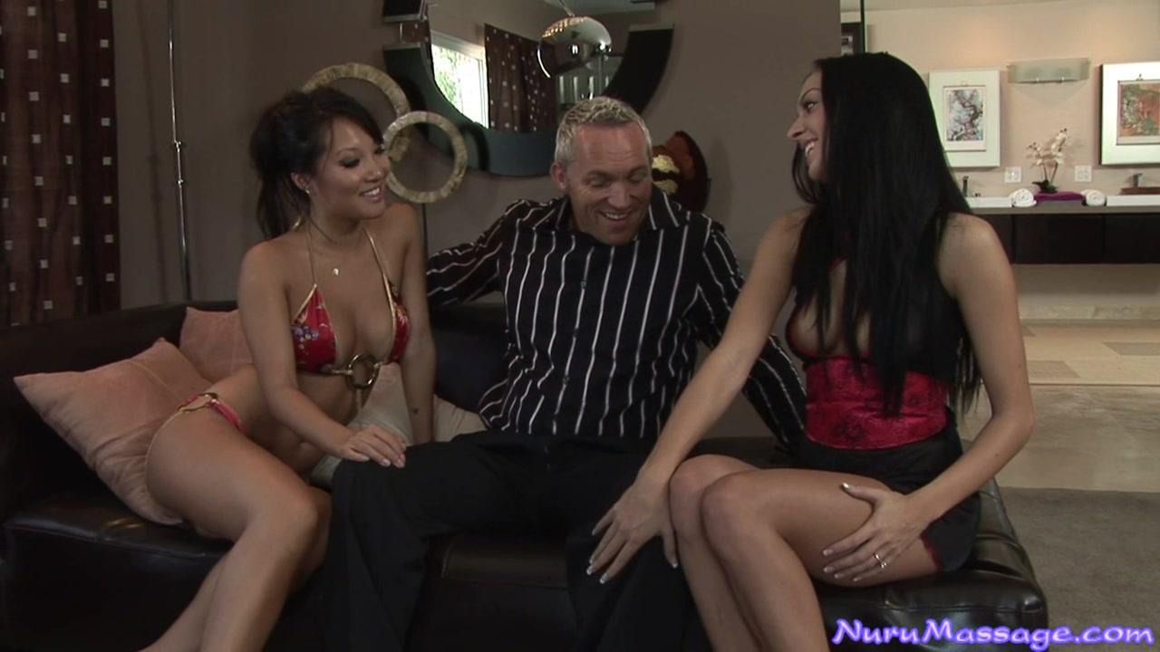 The Nuru College Bookie White girl bug tits masturbaiting