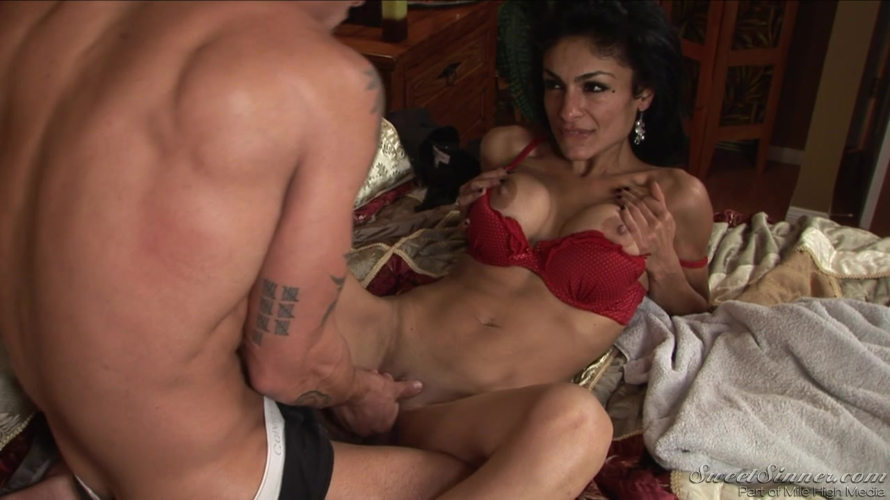 Awesome pornstar Persia Pele gets slammed