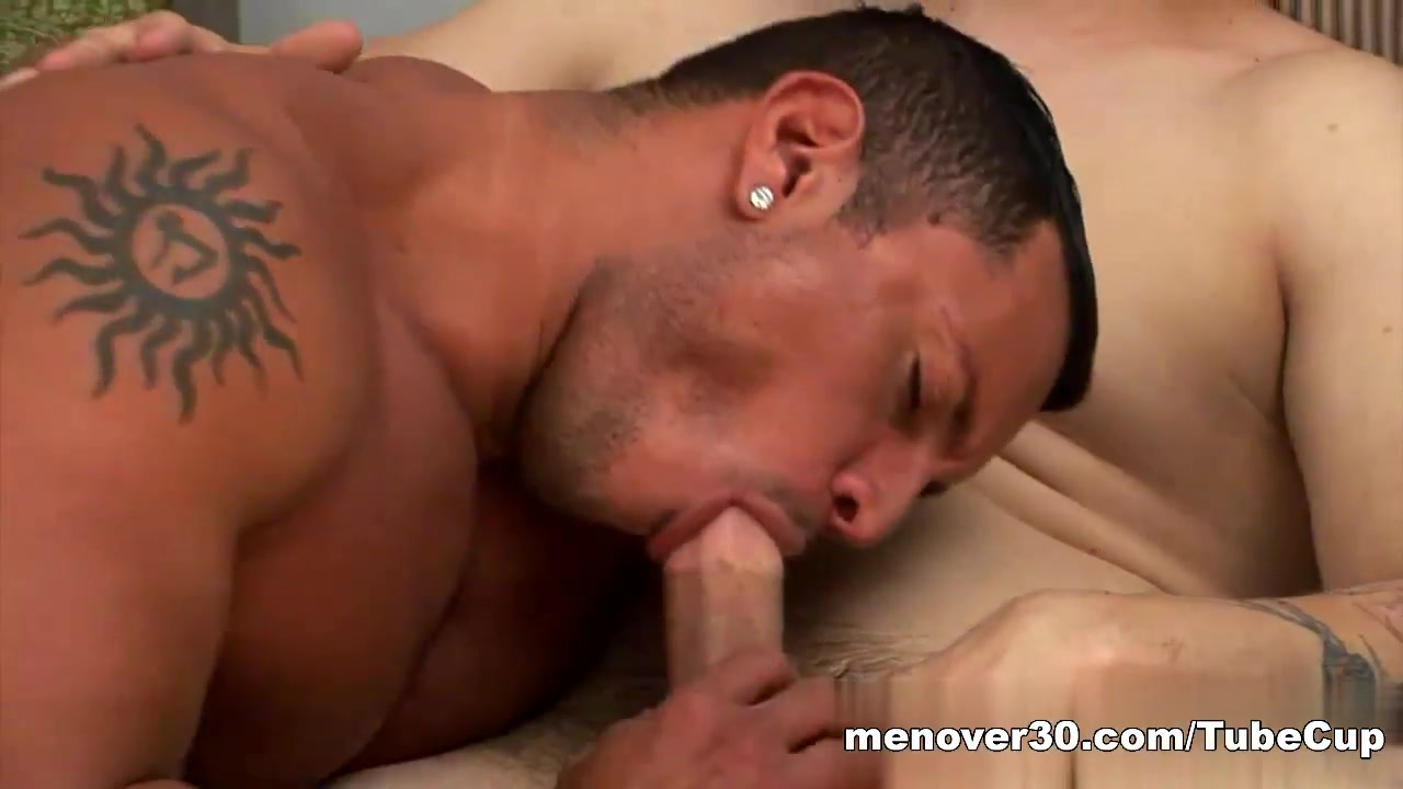 MenOver30 Video: Dick Delivery I want a fuck in Gisborne
