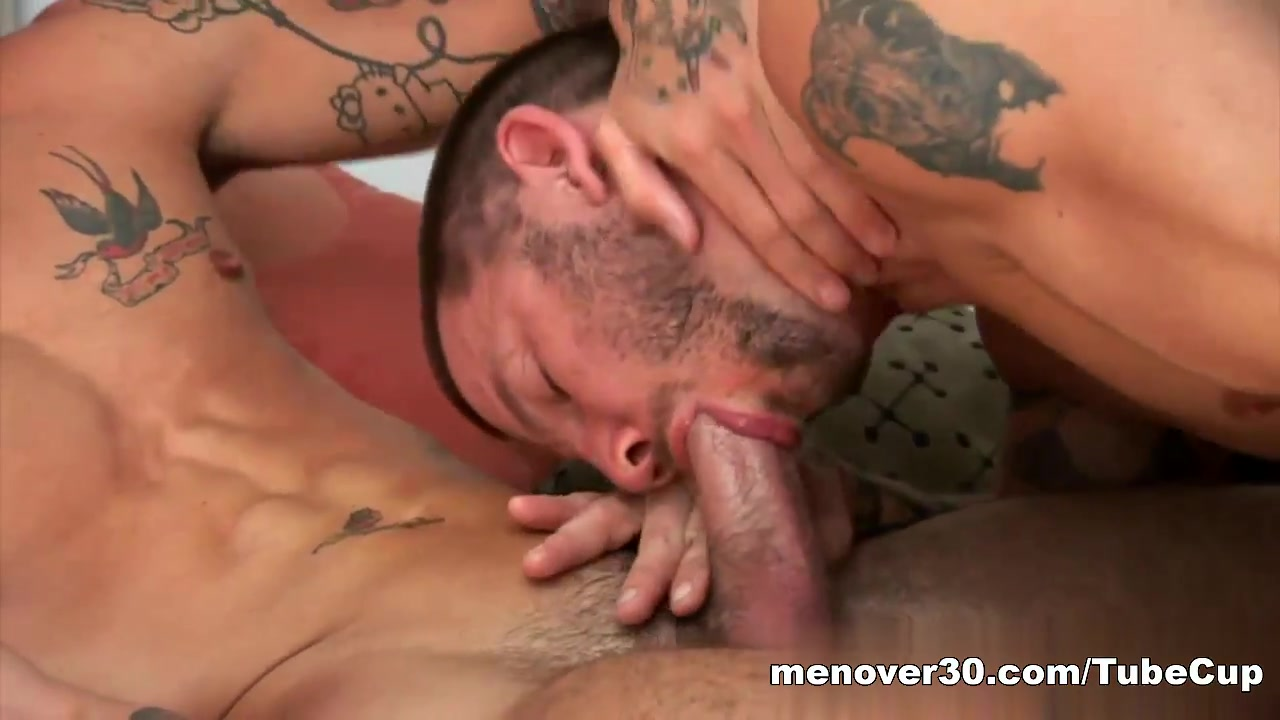 MenOver30 Video: Get On This Dick Deep fistfuck for a german milf