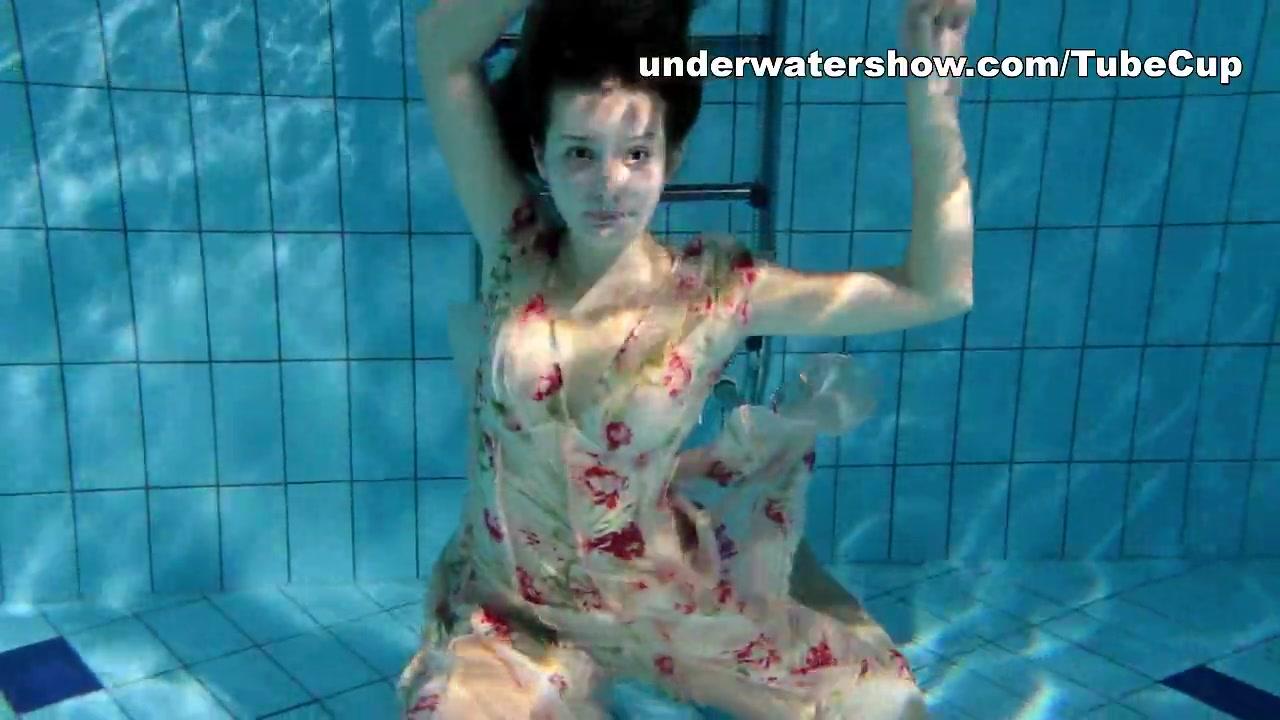 UnderwaterShow Video: Edwige-