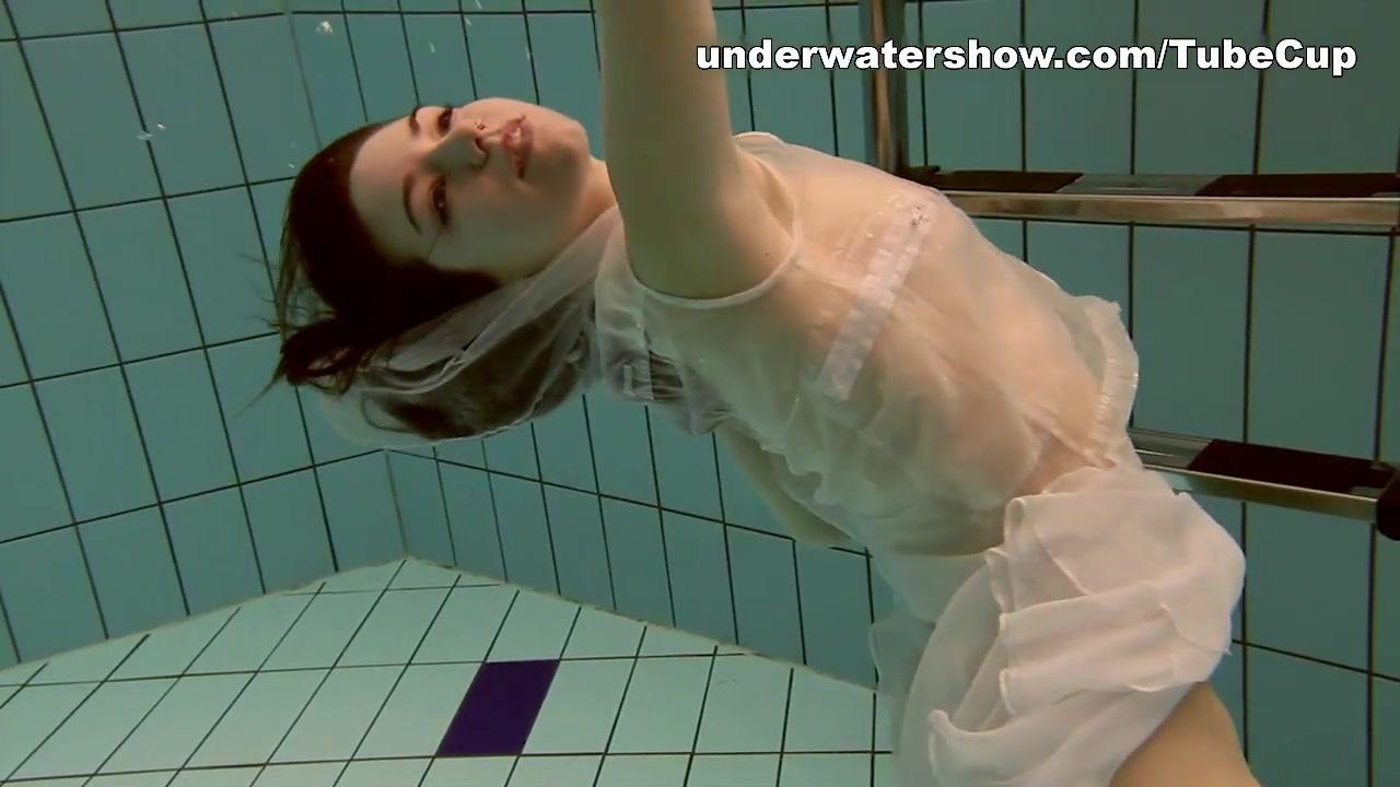 UnderwaterShow Video: Andrejka-