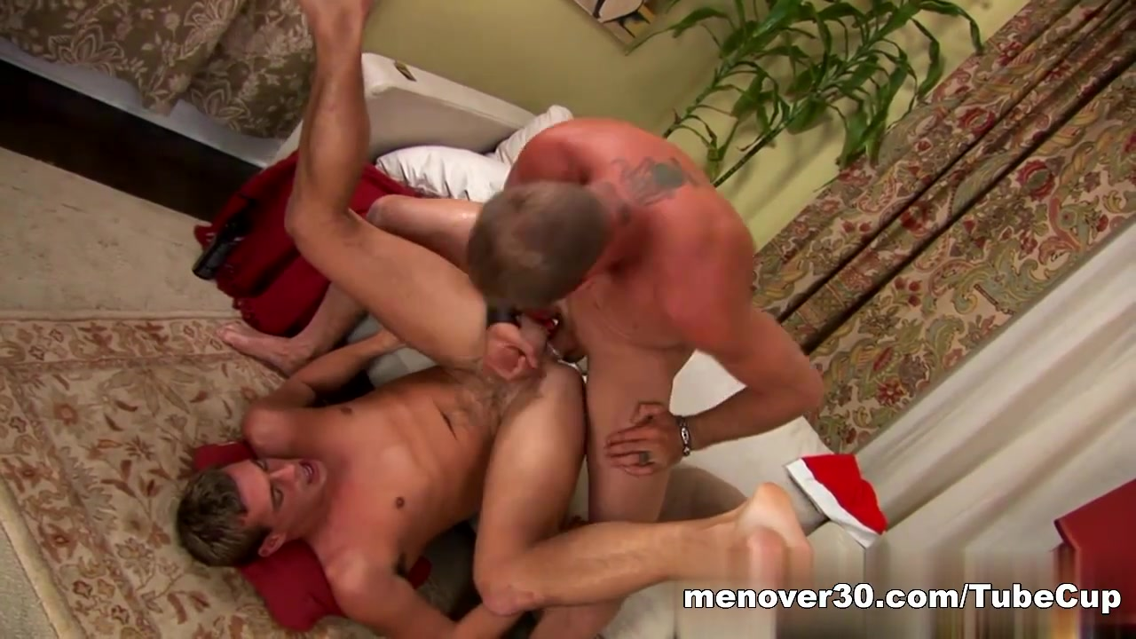 MenOver30 Video: Troy Story free bondage video tube