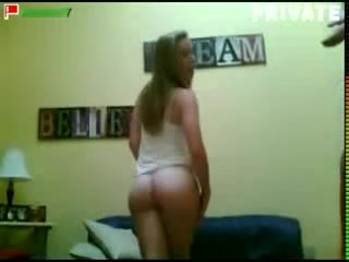 Two hot chicks dancing their ass off on the webcam Bikini beach quiz
