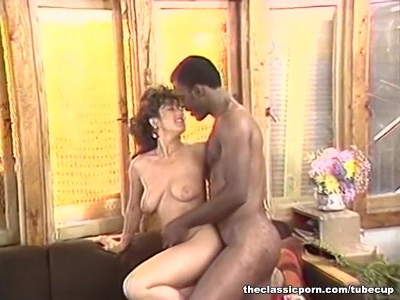 Fucks tube porne Lesbiana