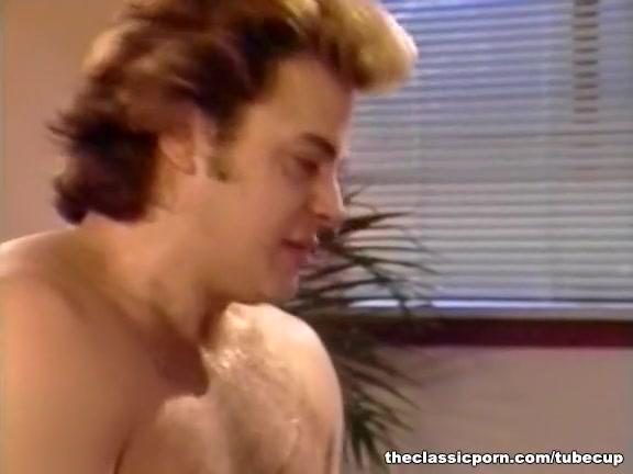 Orgasim Threesome lesbia sexe
