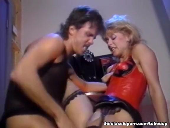 Orgasm horny Interracial lesbin