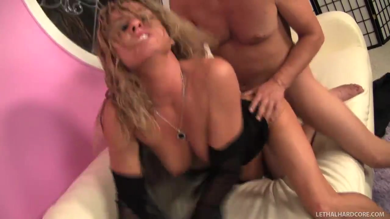 Pervy Milf Amanda Eats Ass Then Fucked Eritrean fuck