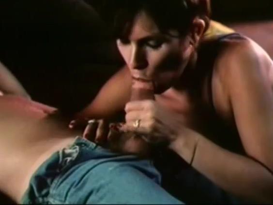 Tia despierta a su sobrino y terminan follando chubby jeans sex pics