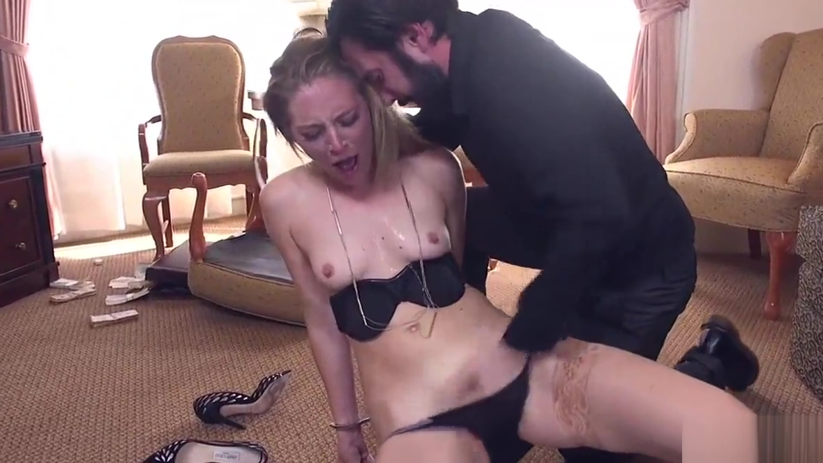 Dude gives revenge rough sex to brunette