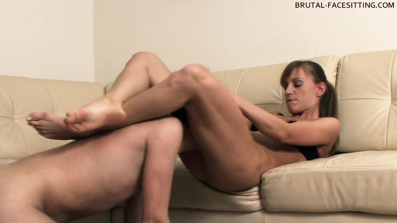 Brutal-FaceSitting Video: Olga Barz holly body porn star
