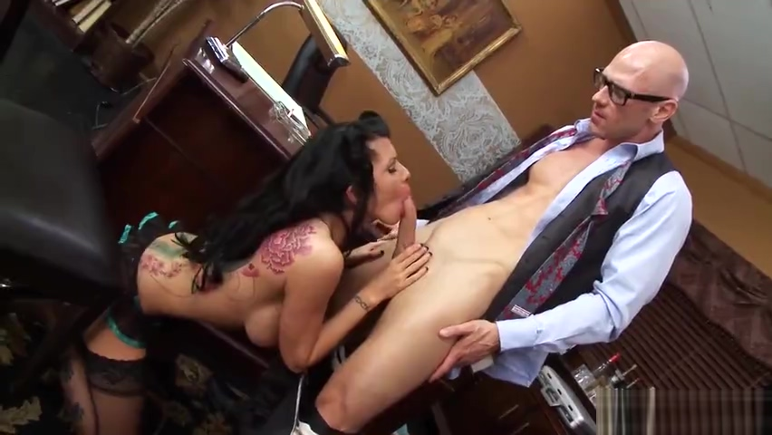 Teasing buxomy mom Romi Rain is giving a blowjob Does sex smell