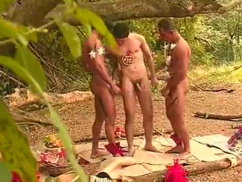 Brasileirinho perdido na mata vai fazer boquete em indio gay indian acteress fake sex video