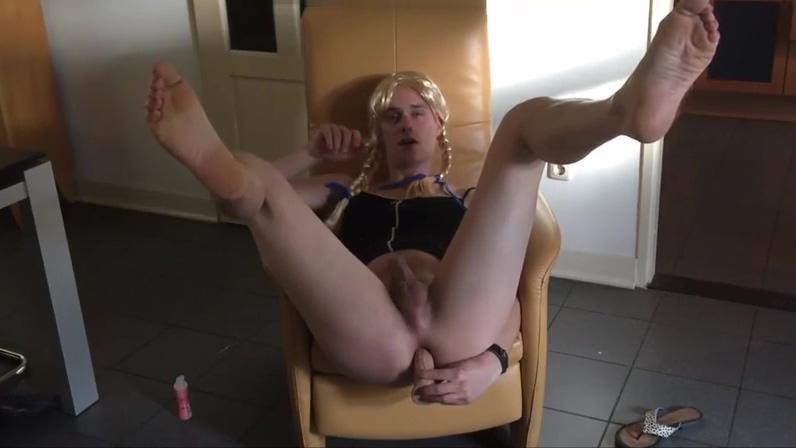 Una CD se dispone a masturbarse Awesome Blonde Mature Dildo Riding