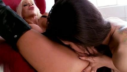 Horne vidieos Lesbic fucks